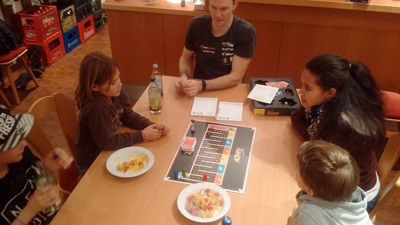 Jugendabschluss Spieleabend Tischardt
